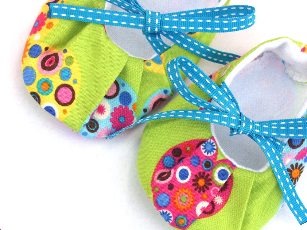 Baby shoes - all my green hearts, size 0-6 months